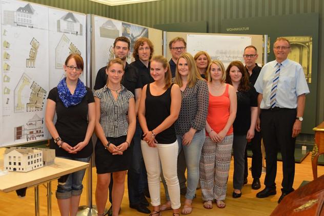 Studenten im Roentgenmuseum Pressefoto des NR Kurrier